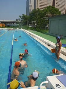 プールでのスノーケリング練習です
